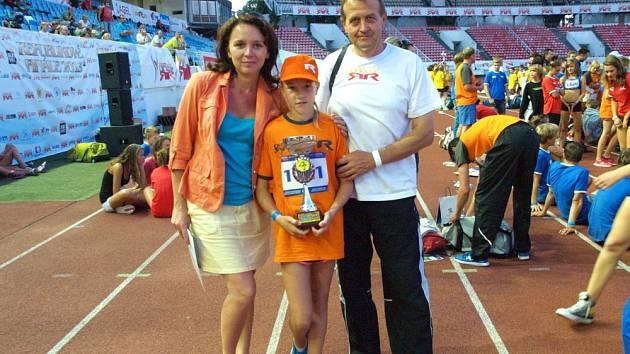 RODIČE Naďa a Petr Navrátilovi jsou na svoji dceru pyšní.