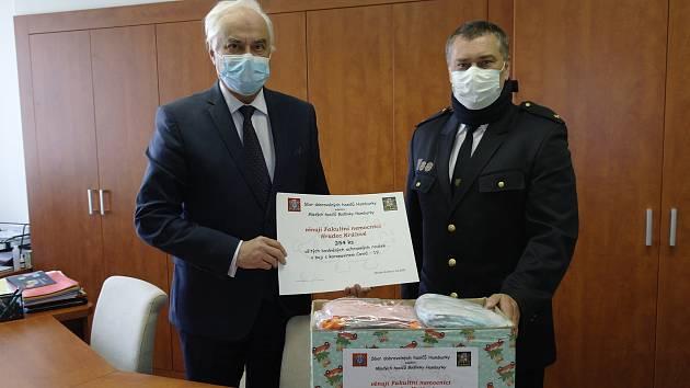 Proti koronaviru zabojovali i mladí hasiči.