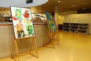 Výstava Žijeme s Vámi ve Studijní a věděcké knihovně v Hradci Králové.