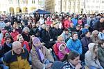 Prezidenta vítaly na náměstí stovky lidí