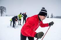 Zimní soustředědí hokejistu HC Hradec Králové v Mladých bukách. Hokejisti si vyzkoušeli jaké to je bruslit ale na lyžích.