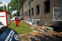 Stavební práce v bývalé vojenské jídelně ve Věkoších.
