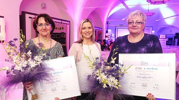 Žena regionu za rok 2013 - Naděžda Tomčíková (vpravo).