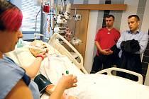 Den otevřených dveří na Klinice anesteziologie, resuscitace a intenzivní medicíny (KARIM) Fakultní nemocnice Hradec Králové.