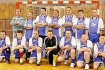 Fotbalisté Dopravního podniku Hradec Králové na turnaji v Ostravě.