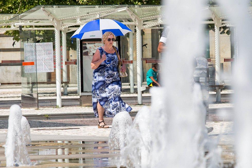 Tropické počasí v centru Hradce Králové.