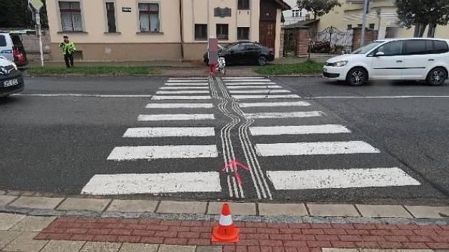 Řidička v Hradci narazila ve středu do dvou chodců