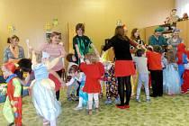 Karneval v královéhradecké mateřské škole Slunečnice.