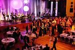 Reprezentační ples stavebního koncernu VCES v královéhradeckém Kongresovém centru Aldis.