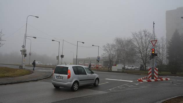 Takřak po třech letech se podařilo vrátit semafory k hradecké fakultní nemocnici.