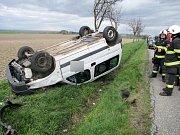 Havárie osobního automobilu u obce Divec.