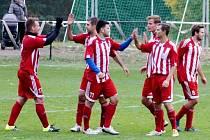 Gólová radost libčanských fotbalistů v jednom z utkání krajské I. A třídy.
