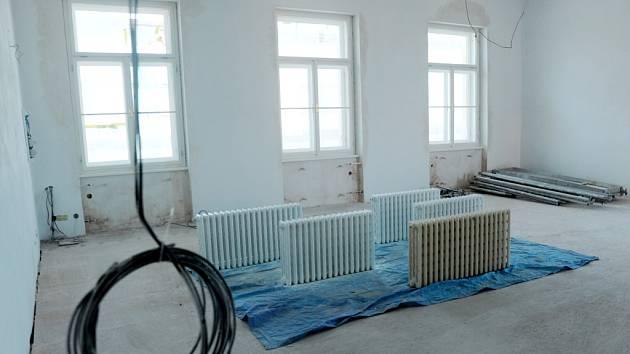 Opravy interiéru bývalého ústavu hluchoněmých v Hradci Králové.