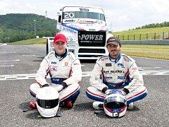Vlevo závodník Michal Matějovský.