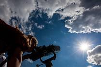 Pozorování přechodu Merkuru přes Slunce na královéhradecké hvězdárně.