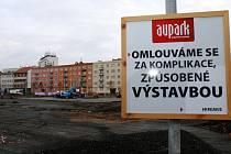 Stavební práce v lokalitě u Koruny v Hradci Králové.