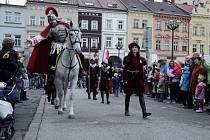 Svatý Martin na bílém koni v centru Hradce Králové.