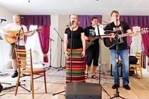 Hudební festival v Čistěvsi: Test.