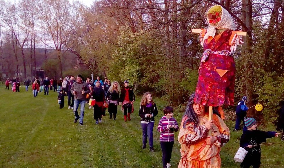 maškarní plesy a karnevaly