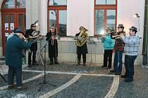 Třebechovičtí trubači přivítali tóny svých nástrojů nový rok