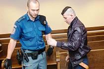 ODSOUZENÝ RUMUN. Osmadvacetiletý dělník Stefan Aranyasz byl odsouzen za znásilnění, ve vězení v Česku stráví osm roků.