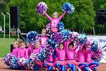 """Vystoupení v kategorii dětí ve věku do 8 let v podání hradeckého A-TEAMu HK – skladba nazvaná """"Spice Girls""""."""