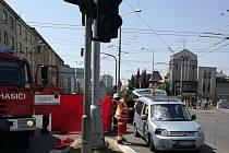 Při nehodě ve Střelecké ulici vyhasl lidský život.