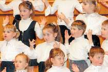 Nejmladší děti z přípravky sboru Jitra