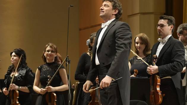 Dirigent Kaspar Zehnder.