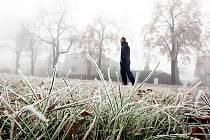 Krajskou metropoli potrápil mráz a mlha. Zaskočeni mohli být nejen řidiči.