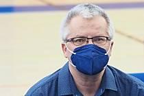 NA VOLEBNÍ VALNÉ HROMADĚ OFS Hradec Králové, která se konala ve čtvrtek 25. března v třebešské sportovní hale, musel být Martin Zbořil s rouškou. Snad ji brzy zase odloží.