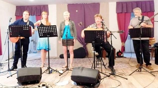 Hudební festival v Čistěvsi: Čokoli.