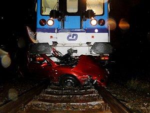 Nehoda vlaku a auta u Březhradu