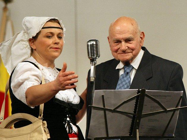 Laureát ceny Primus inter pares Jiří Soukup a herečka Pavla Tomicová.