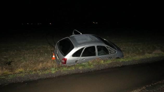 Nehoda na ranveji skončila zraněním jednoho z mladých spolujezdců.