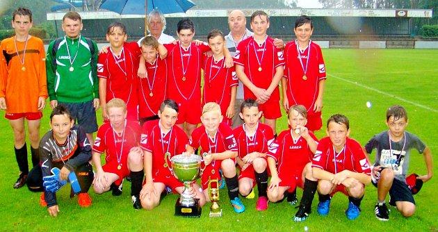 Celkovým vítězem 14.ročníku Hradeckého poháru Ladislava Škorpila mladších žáků se stal spojený tým Sokol Červeněves/Slavoj Skřivany.