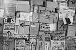 """Listopad 1989 v Hradci Králové, """"zeď"""" na Gottwaldově náměstí"""