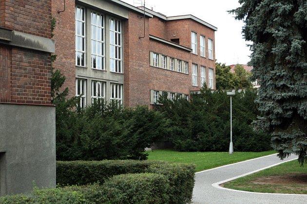 Obchodní akademie v nové budově