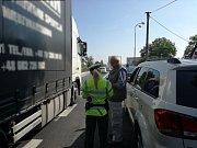 Policie dohlíží na dopravní situaci na Královéhradecku i o prázdninách.