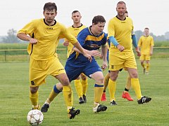 Ve šlágru III. třídy Kosičky B (ve žlutém) na domácím trávníku podlehly roudnickému béčku 0:2.