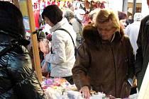 Martinské trhy u hradeckého Adalbertina.