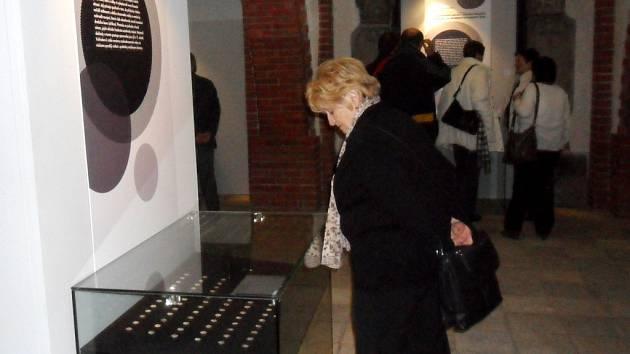 Vzácné sbírky denárové měny na výstavě v Muzeu východních Čech v Hradci Králové.