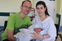 ANDĚLKA VÍCHOVÁ se narodila 14. října v 9.17 hodin. Měřila 49 cm a vážila 2920 g. Velkou radost udělala svým rodičům Kamile a Václavu Víchovým z Vysokého Mýta. Doma se těší sourozenci Stelinka a Radánek.