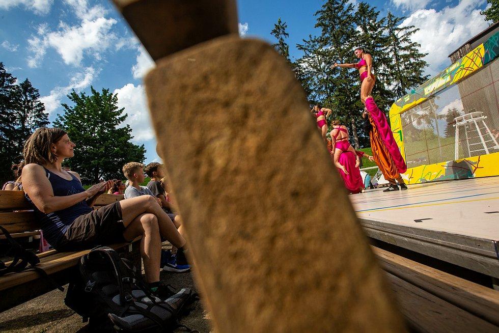 Divadelní festival Letos jinak. Kvůli koronaviru se konal Open air program v omezené míře.