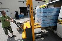 První dodávka s humanitární pomocí vyrazila v pondělí z Hradce Králové do Životic na Novojičínsku, které zdevastovala povodeň.