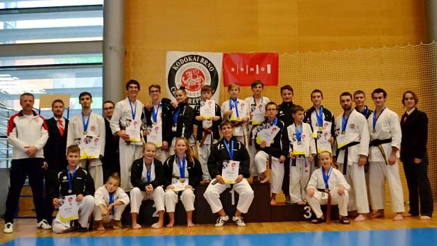 Závodníci SK Karate Spartak Hradec Králové se zaskvěli na prvním nominačním turnaji v Brně.