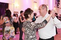 Kurzy tance pro manželské páry a taneční dvojice v královéhradeckém Adalbertinu.