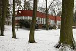 Původně restaurace v Jiráskových sadech v Hradci Králové, dnes sídlo střední floristické školy.