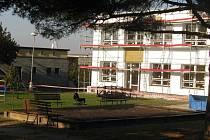 Oprava mateřské školy ve Všestarech.