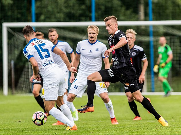 Přípravné fotbalové utkání v Hořicích: FC Hradec Králové - FC Slovan Liberec.